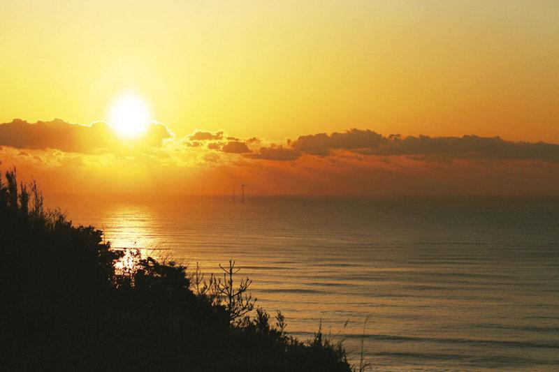 関東で見られる美しい朝日スポット! 「日本の朝日百選」にも選ばれた場所はどこ?