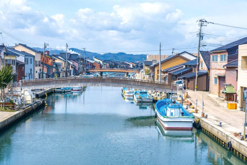 まるで日本のベニス!? 富山県射水市の内川でノスタルジックな雰囲気を楽しもう