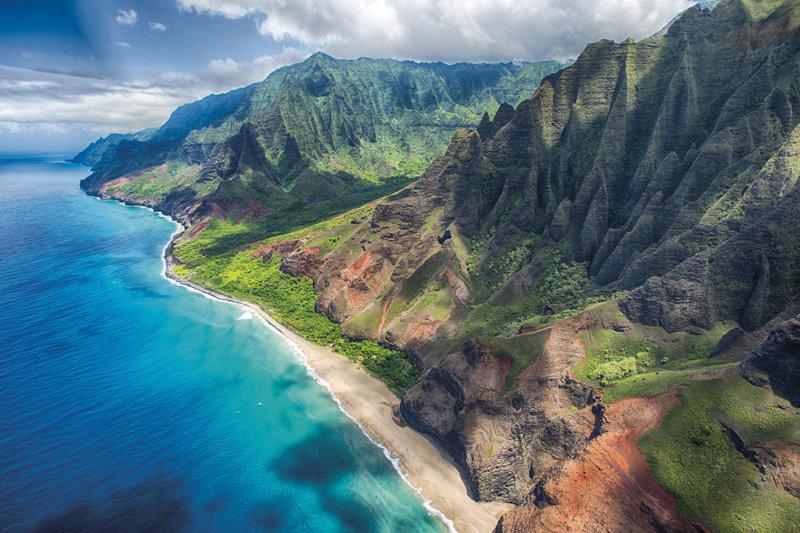 ハワイのガーデンアイランド「カウアイ島」をヘリコプターで満喫しよう!
