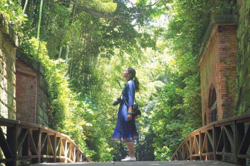 東京湾の無人島「猿島」で楽しもう! 旧日本軍の要塞跡と自然が織りなす景色