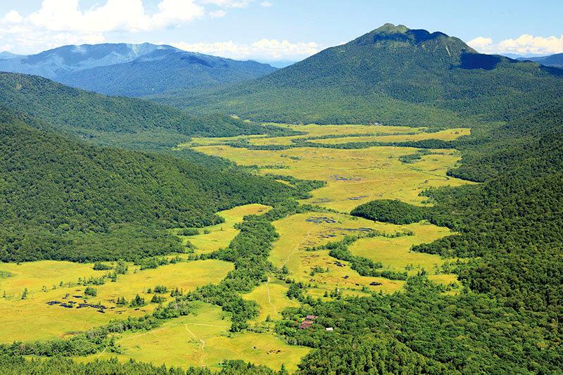 至仏山 山頂から望む夏の尾瀬ヶ原