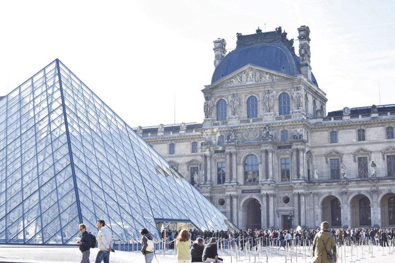 パリに行くなら「ルーブル美術館」は絶対行きたい!! お得な情報をご紹介!