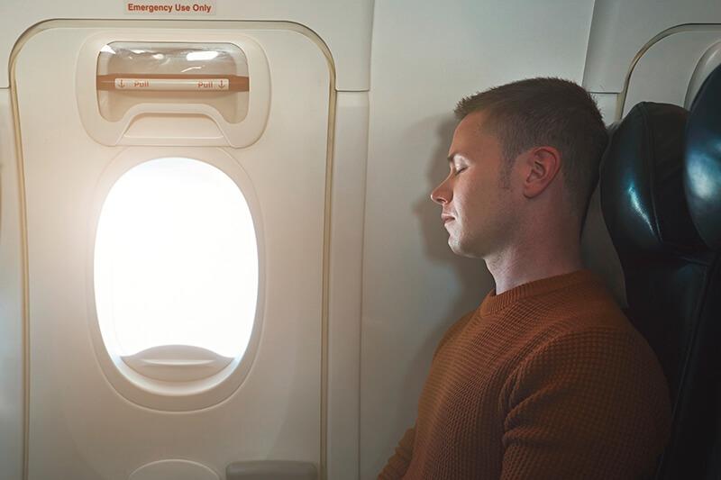 飛行機内 非常口前シート