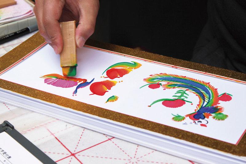 旅の記念やお土産に!! 台湾に行ったら絶対に描いてもらいたいキュートな花文字
