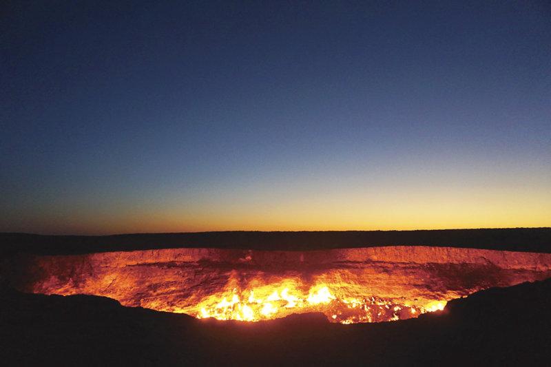 「地獄の門」は必見! 資源国で経済が豊かな国「トルクメニスタン」って知ってる?