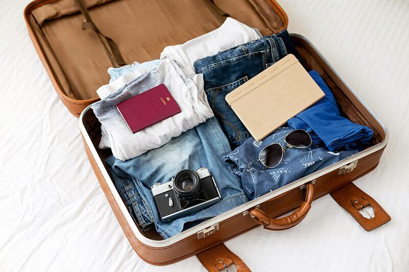 つい重くなる帰りのスーツケース。超過手荷物料金は払いたくない!! なら、どうやって対策すればいいの?