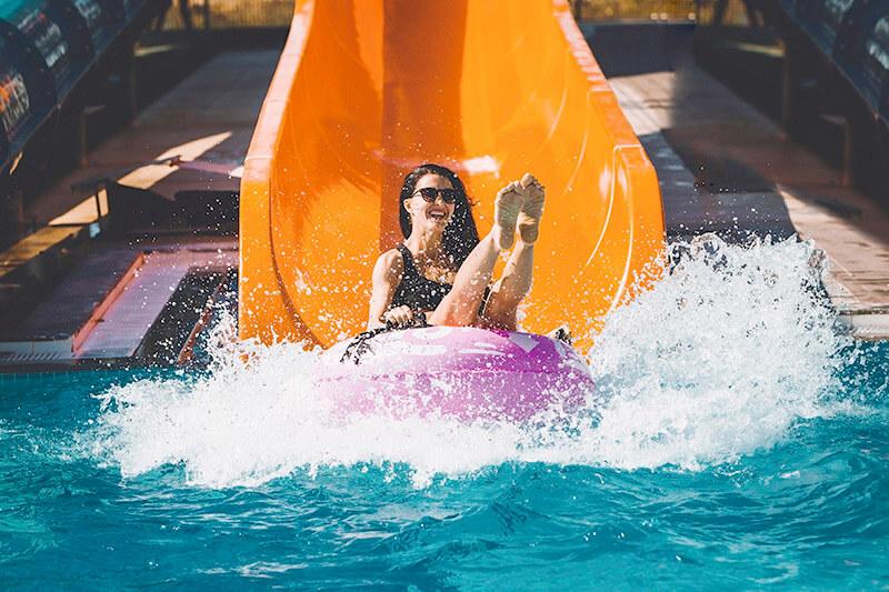 大人も子供も大はしゃぎ!スリル満点のウォータースライダーが楽しめる海外リゾートホテル5選