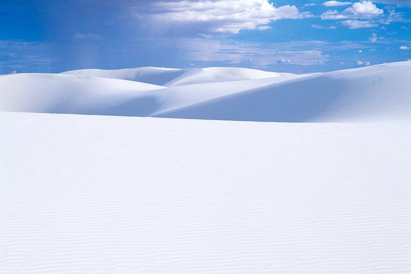 アメリカの絶景!! ニューメキシコ州の美しき白い砂漠「ホワイトサンズ」とは?