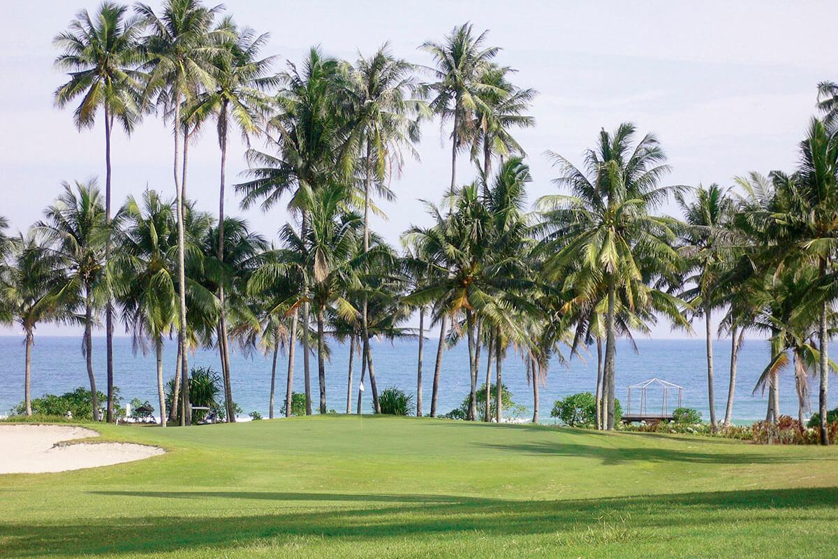 ビンタン島 ゴルフ場