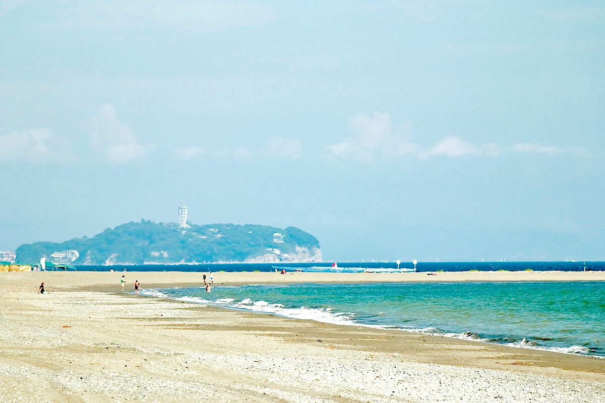茅ヶ崎・サザンビーチから望む江ノ島