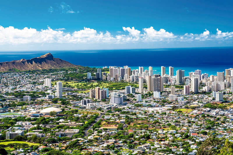 ハワイの絶景が見れる「タンタラスの丘」ハワイリピーターが何度でも行きたくなるその理由とは?