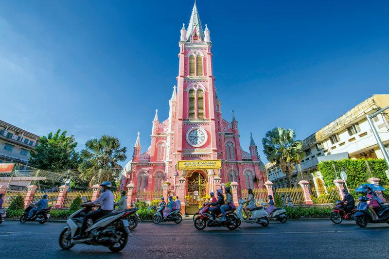 ホーチミンのピンク色の教会「タンディン教会」が超キュート!! 女子旅するなら行ってみて!!