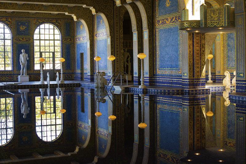 アメリカ・カリフォルニアにある新聞王の大豪邸「ハースト・キャッスル」を見学しよう!
