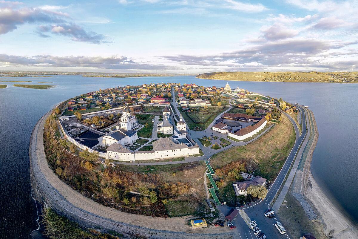 スヴィヤシュスク島