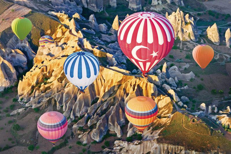一生に一度は行ってみたい!! トルコの世界遺産「カッパドキア」の気球や洞窟ホテルがとってもフォトジェニック!