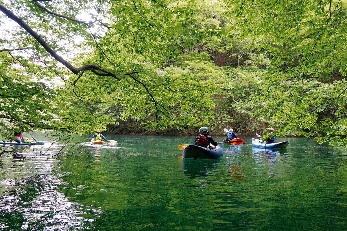 赤谷湖で楽しむカヤック