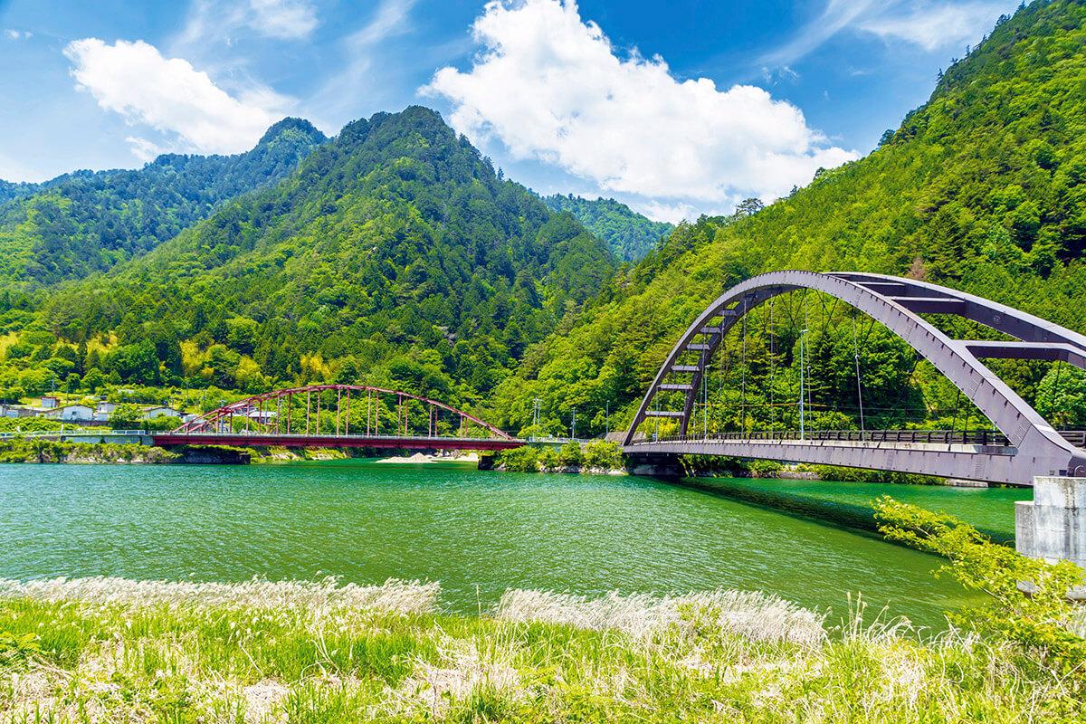 木曽川にかかる阿寺橋