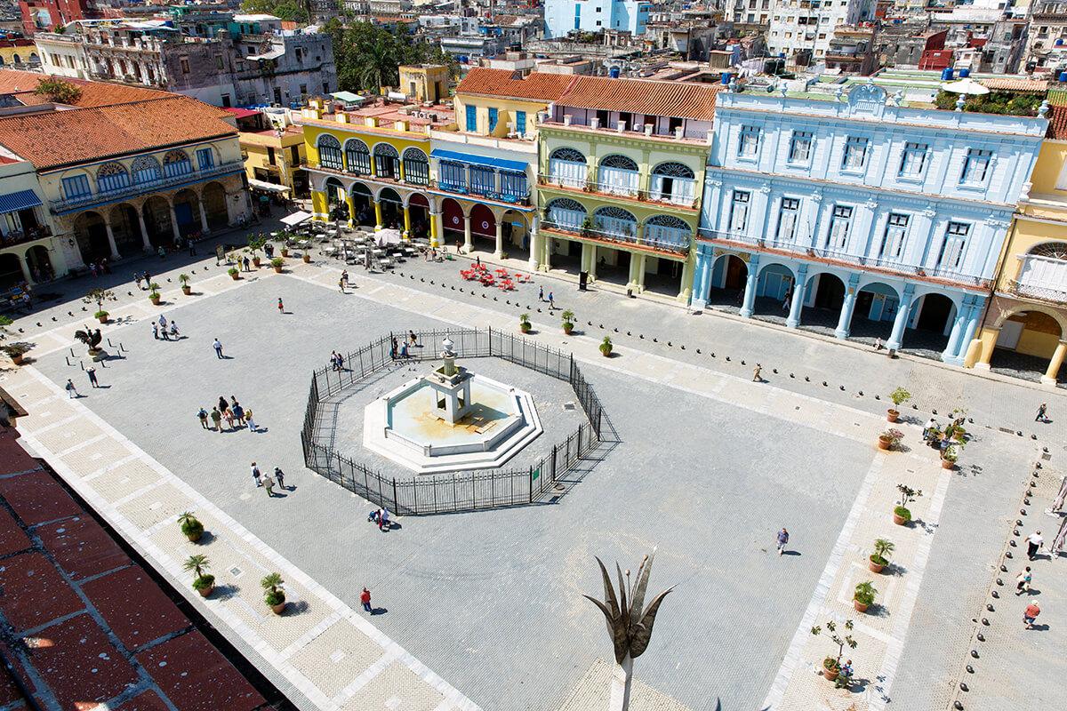 ハバナ ビエハ広場