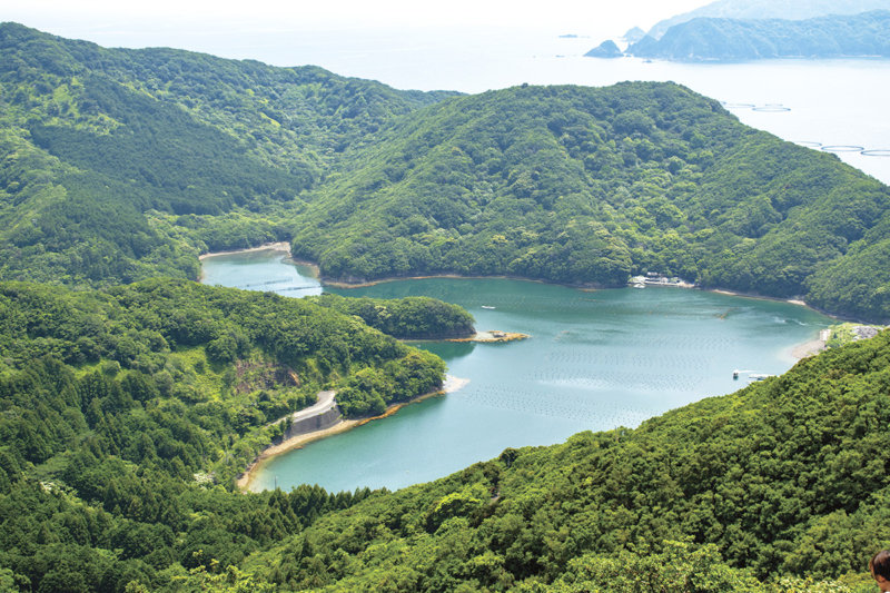 三重県の「恋人の聖地」 で楽しむロマンチックな景色。ハート形の入江や天空のポストを見に行こう!