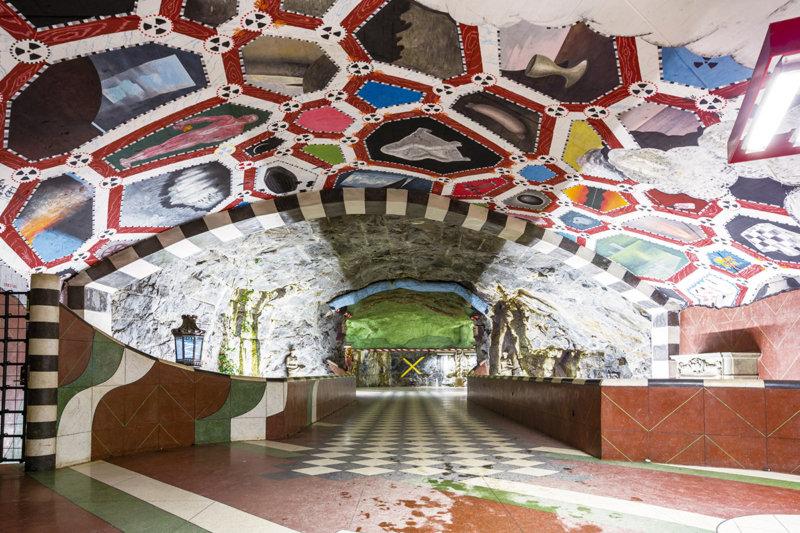 「世界一長い美術展」スウェーデン・ストックホルムの地下鉄でアートを楽しもう