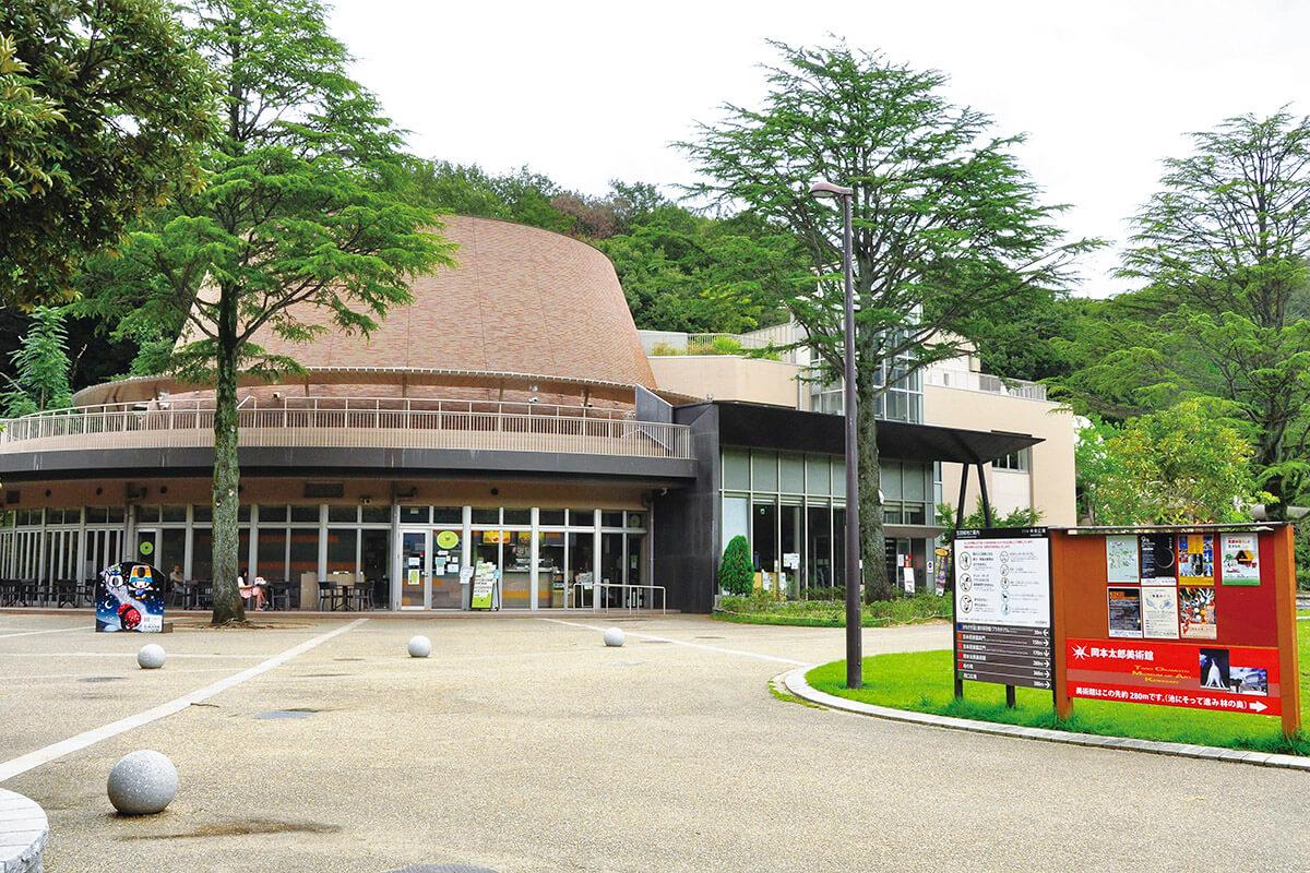 生田緑地 かわさき宙と緑の科学館