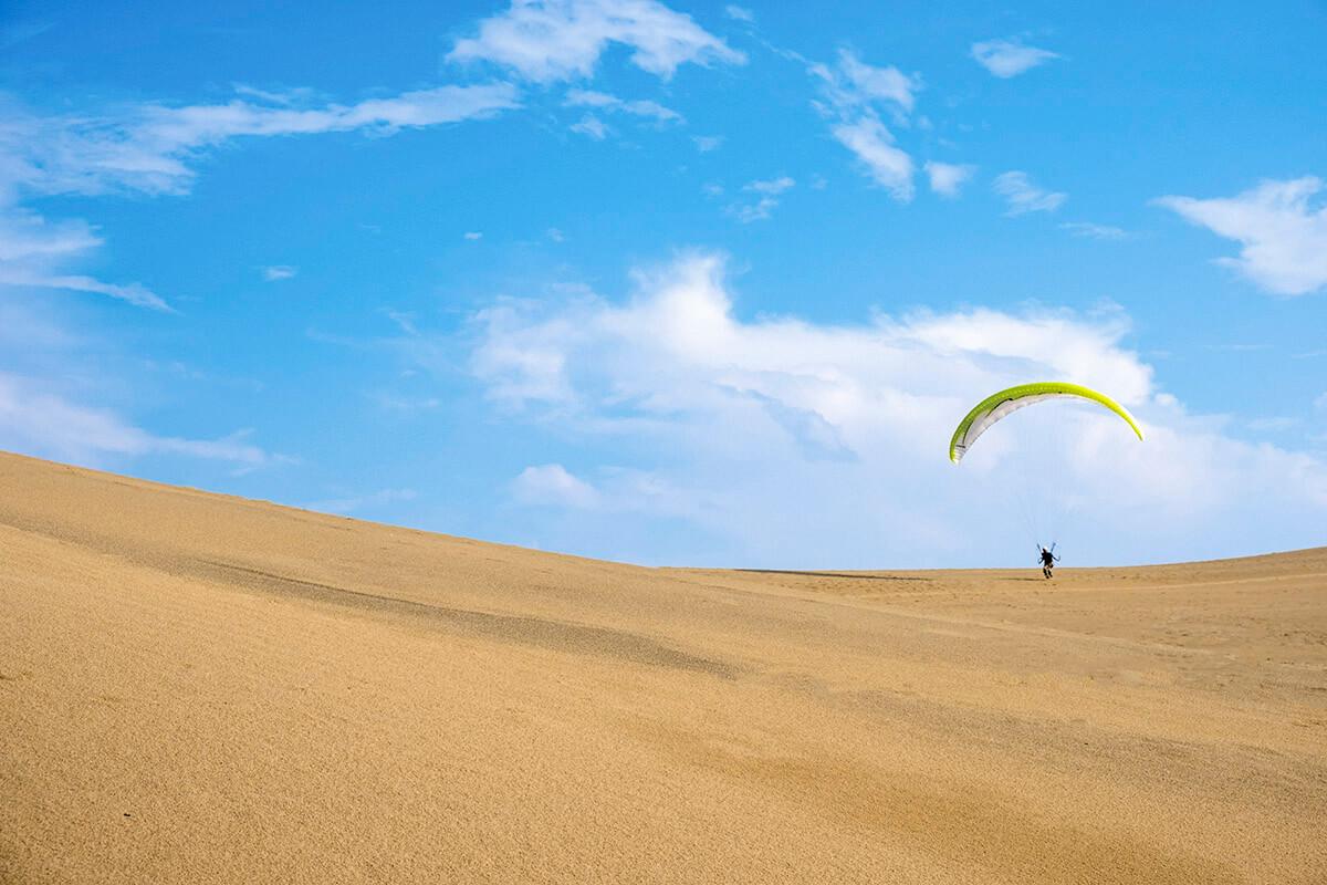 鳥取砂丘 パラグライダー