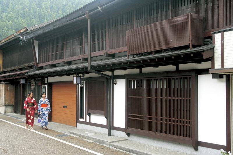 岐阜県にある水とおどりの城下町「郡上八幡」のおすすめ観光スポットご紹介!