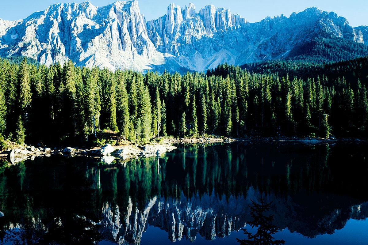 カレッツア湖