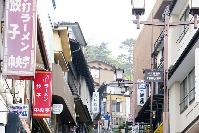 群馬県渋川市の歴史ある温泉「伊香保温泉」を満喫! オススメの旅館や観光スポットもご紹介!