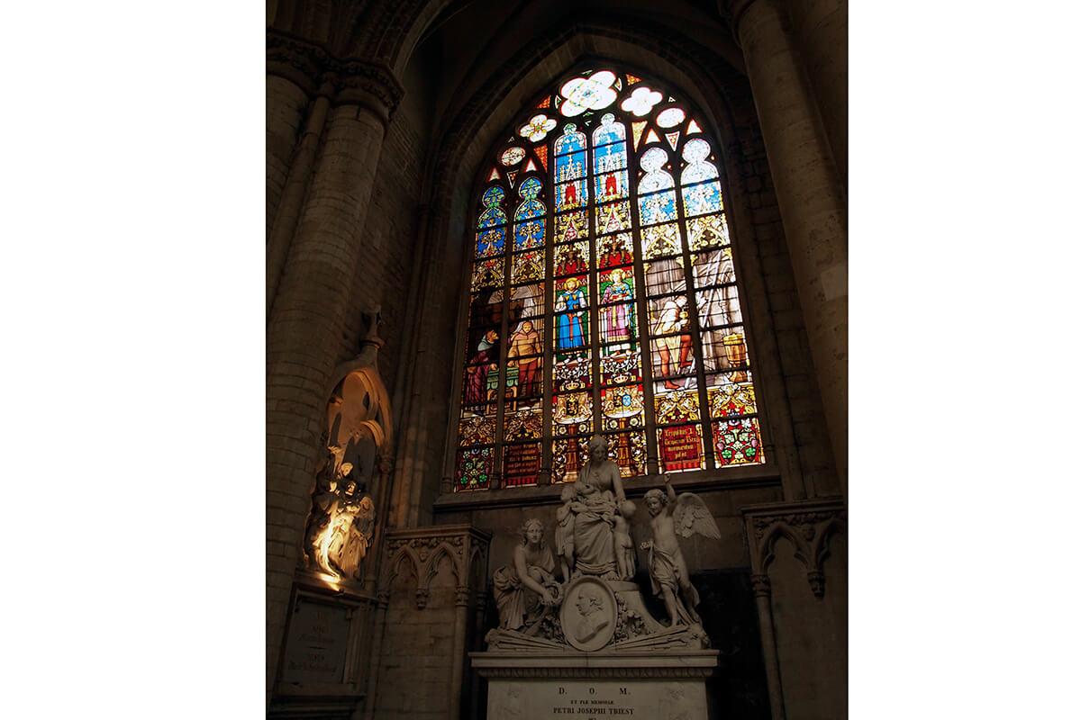 サン・ミッシェル大聖堂 ステンドグラス