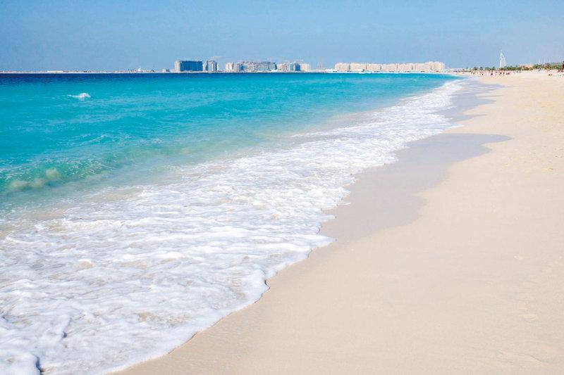 真っ白な砂浜と抜群の透明度!! 中東屈指のリゾート・ドバイのおすすめビーチ3選