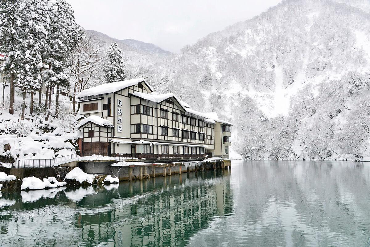 雪景色の大牧温泉観光旅館