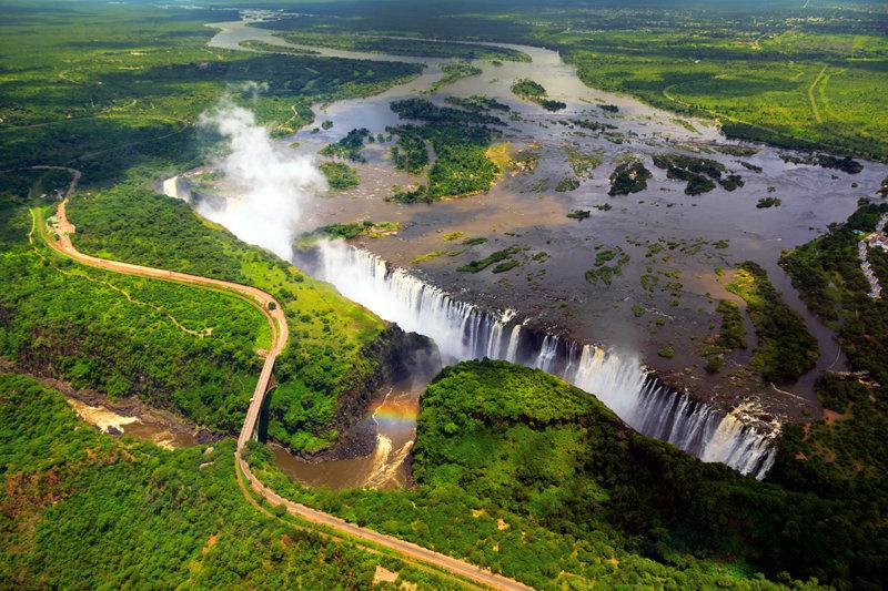 轟音と水しぶきが凄すぎる!! 一度は見てみたい「世界三大瀑布」とは?