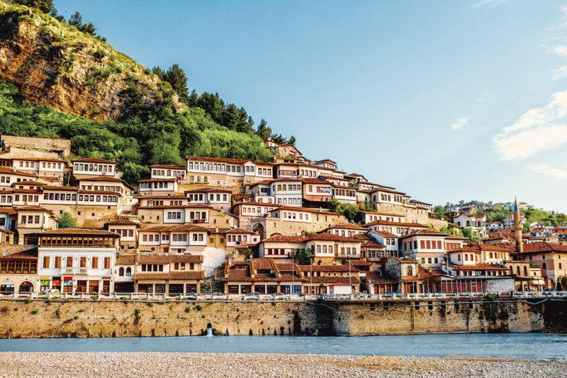 絶景と美しい街並みが広がる「バルカン半島」の国へ行ってみよう!