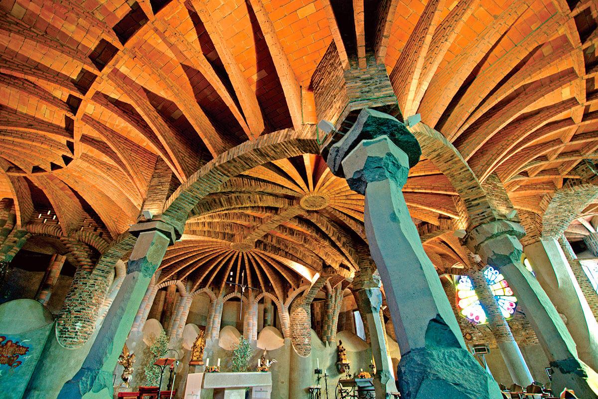コロニア・グエル教会地下聖堂