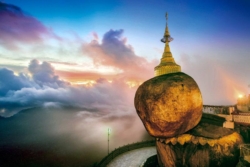 ミャンマーの奇跡!! 落ちそうで落ちない「ゴールデンロック」とはどんな岩?