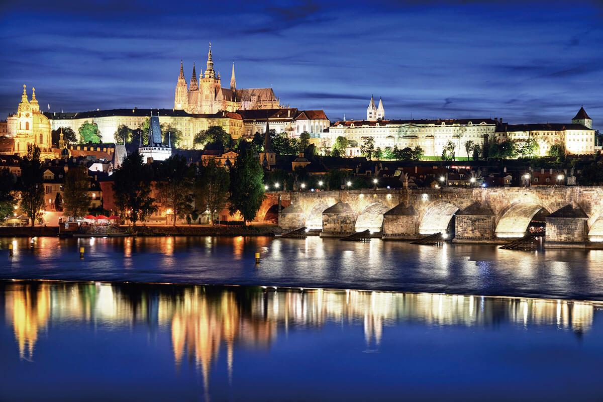 プラハ カレル橋とプラハ城