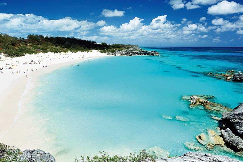 ピンク色のビーチとカラフルな街並みが可愛い!! カリブ海のリゾート「バミューダ諸島」