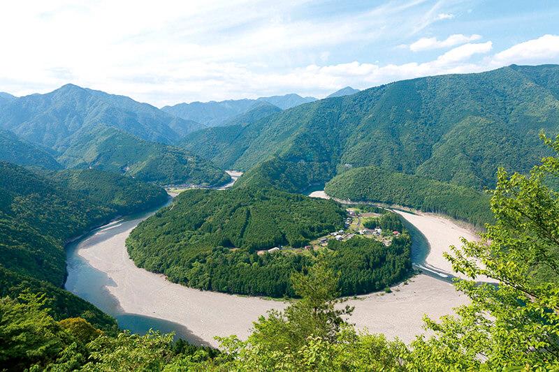 まさに秘境!三重県「木津呂集落」のユニークすぎる絶景を見てみたい!