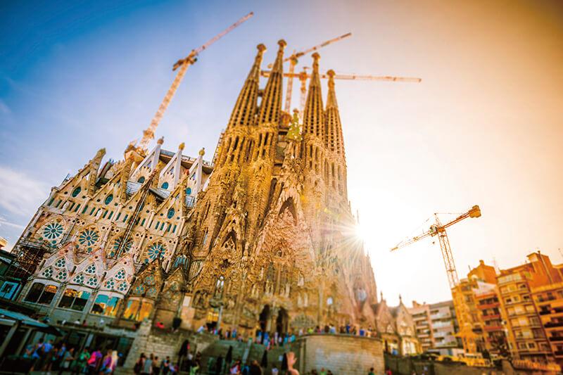 2026年完成予定!? スペインの世界遺産「サグラダ・ファミリア」を見に行こう!