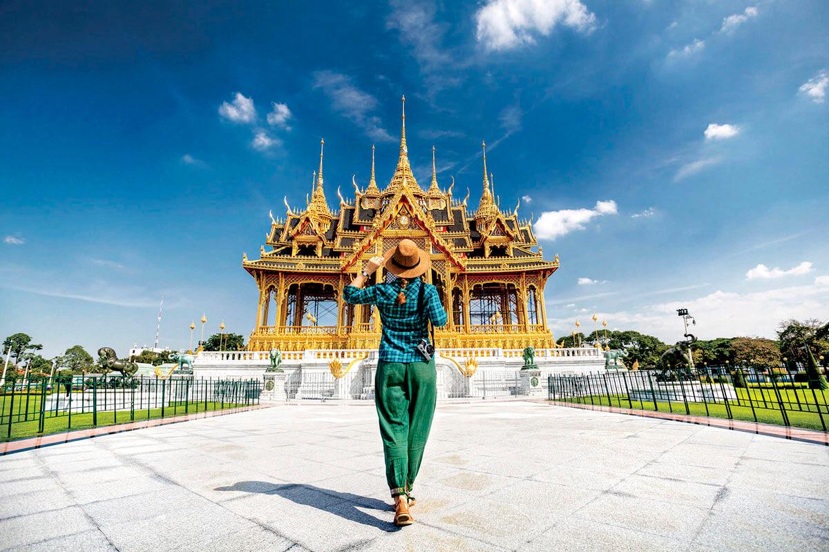 タイ バンコクを旅行する女性(イメージ)