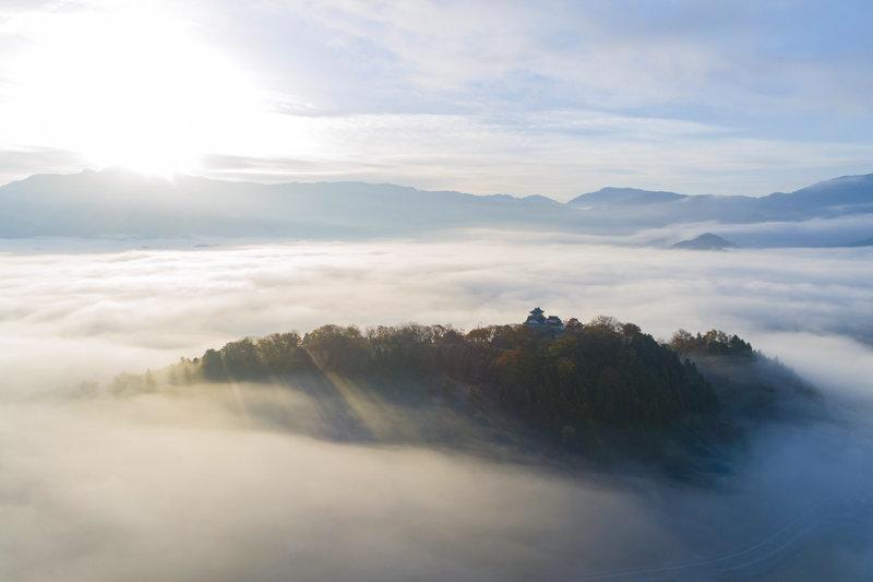 雲海に浮かぶ天空の城!! 福井県「越前大野城」を見に行こう!