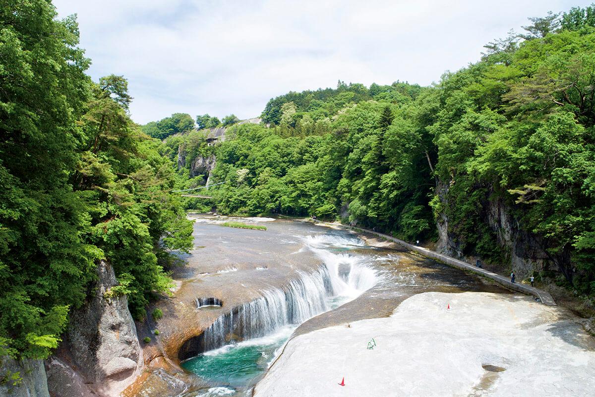 吹割の滝・新緑