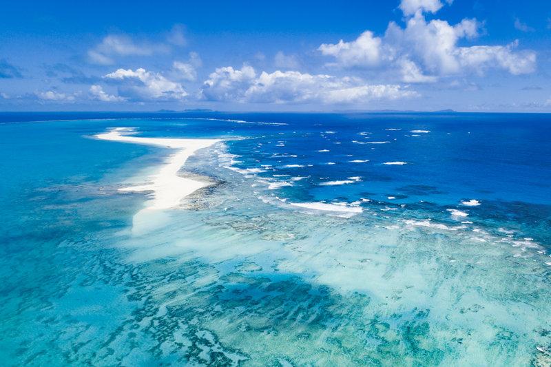 「はての浜」で有名な沖縄・久米島を満喫!! 絶景やパワースポット、史跡を楽しもう!
