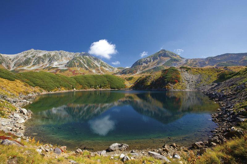 立山黒部アルペンルートの絶景スポット「みくりが池」のある室堂平を楽しもう!