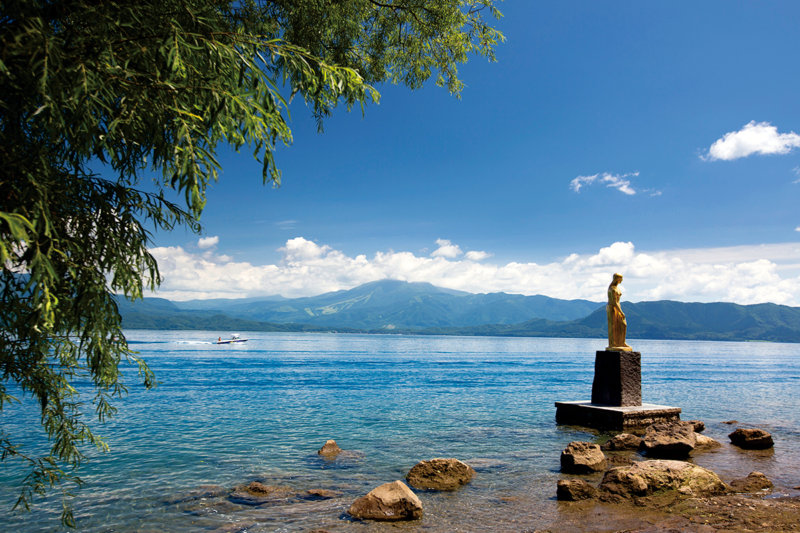 藍色(あいいろ)の日本一深い湖「田沢湖」で身も心もリフレッシュしよう!!