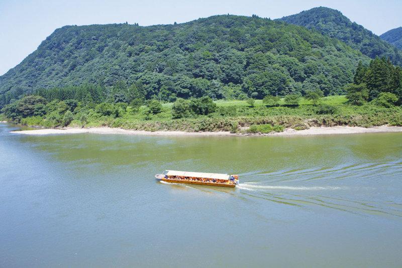 山形県のおすすめ観光「最上川舟下り」で四季折々の景色やパワースポットを満喫しよう!