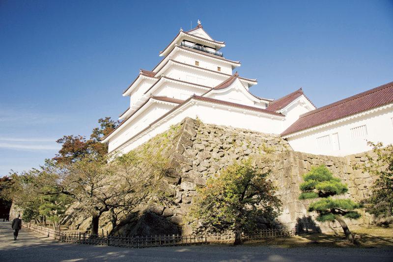 幕末の歴史を感じる福島県・会津若松市の観光スポットご紹介! シンボルの鶴ヶ城に、レトロな町歩きも!