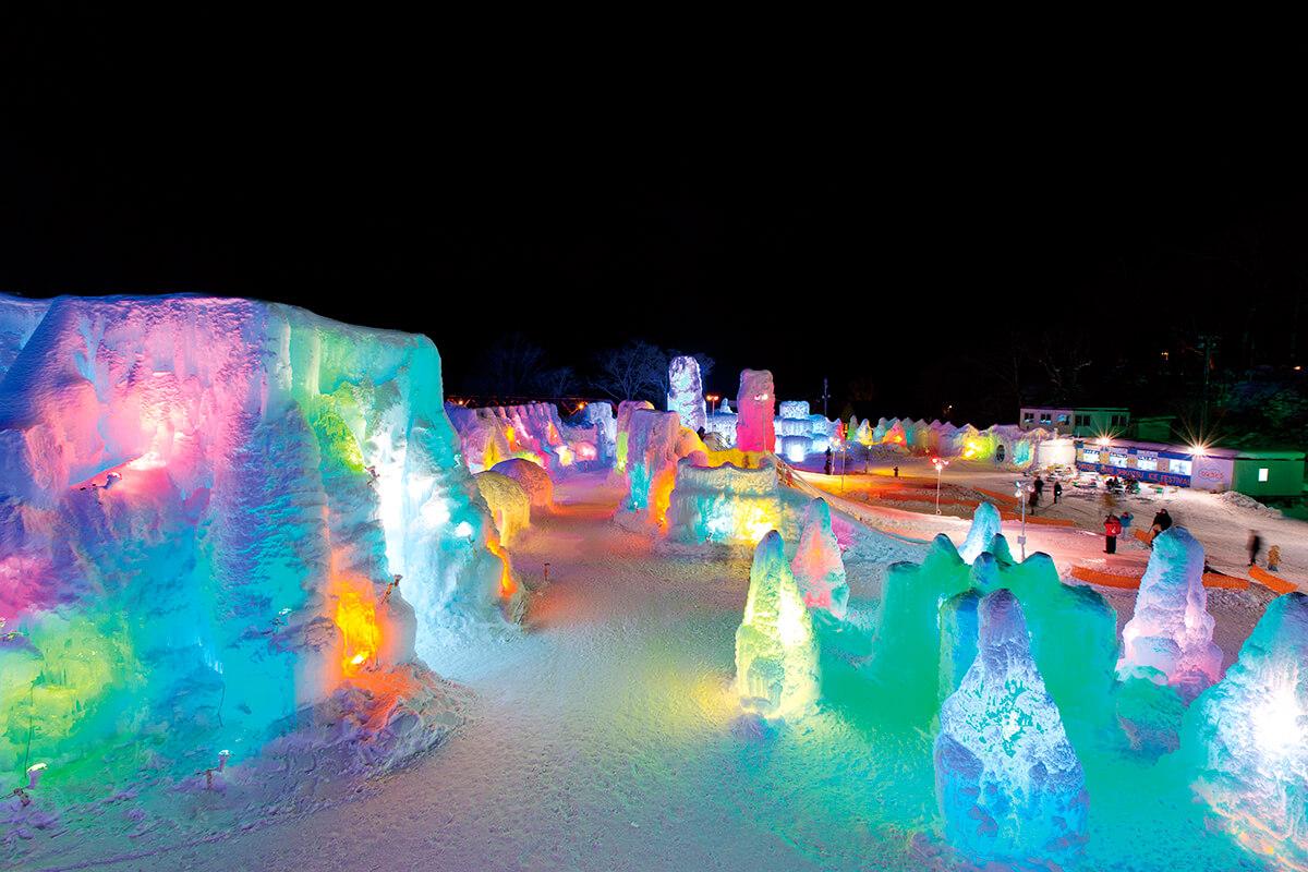 千歳・支笏湖氷濤まつり ライトアップ