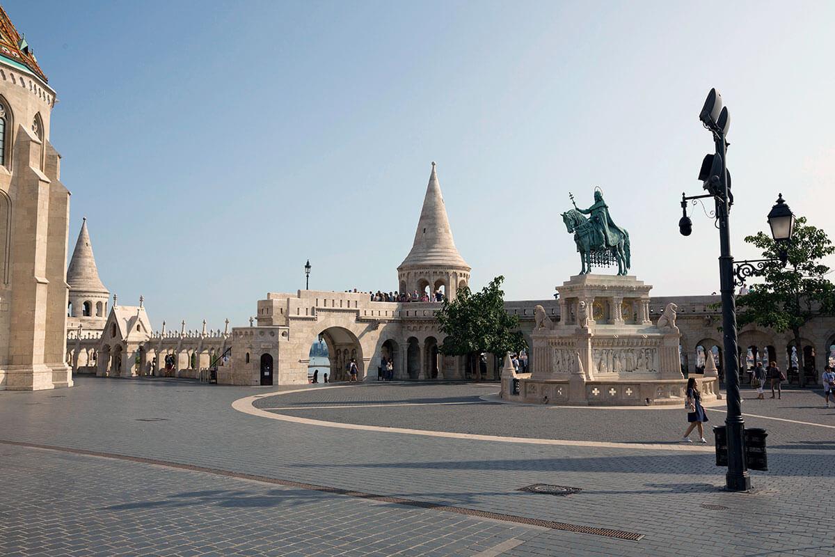 漁夫の砦 聖イシュトヴァーンの騎馬像
